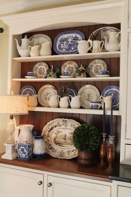 Beautiful mix of blue with the brown transferware.