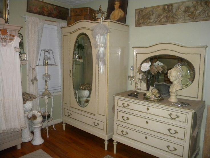 Vintage Dressing Room/Sitting Room