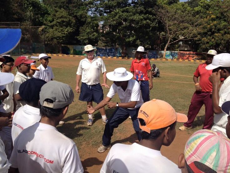 Brad Murphy coaching at the Khiladi Connect ‪#‎Cricket‬ Summer Camp...