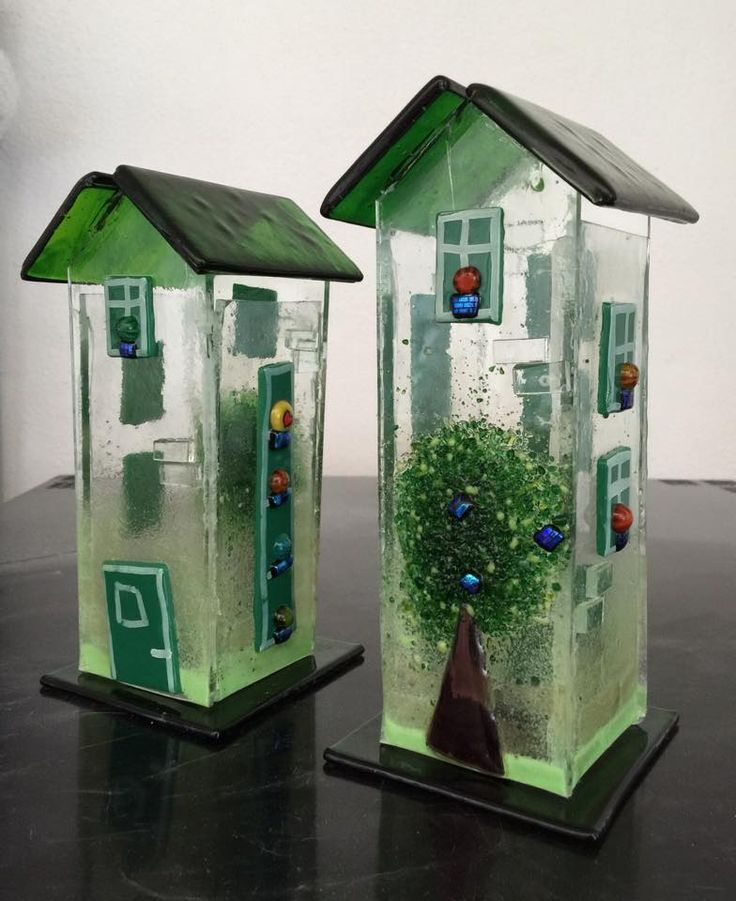 Fused glass houses for tea lights or string of lights. By Sanne Jacobsen. Check also https://www.facebook.com/groups/293649097441946/?fref=ts .