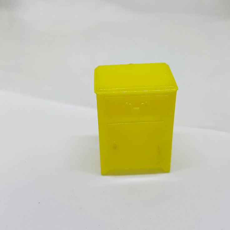 Marx Yellow Bedroom Traditional nightstand Piece Dollhouse Toy Furniture hard Plastic