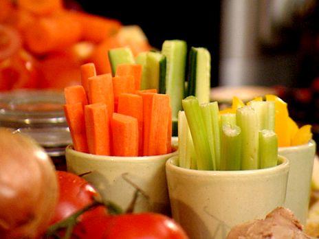 Grönsaksstavar med kryddsmör | Recept.nu