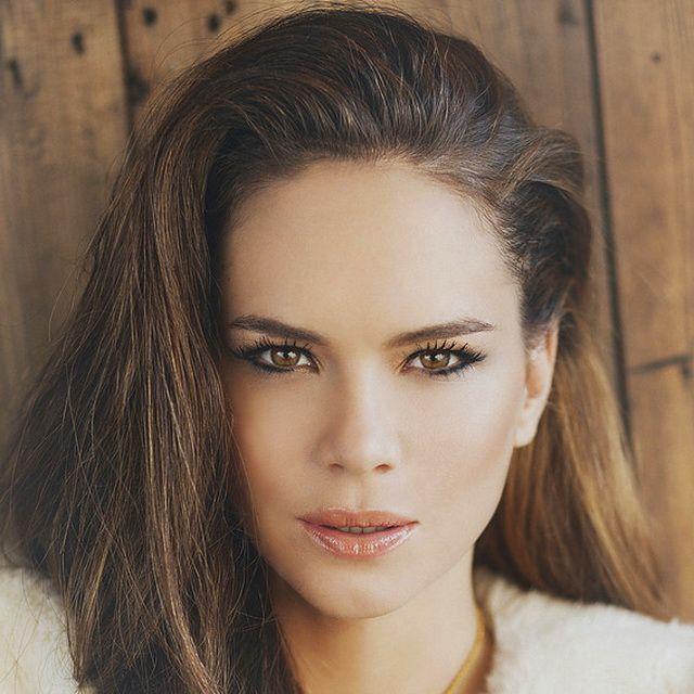 Cumplefamosas: Luz Cipriota