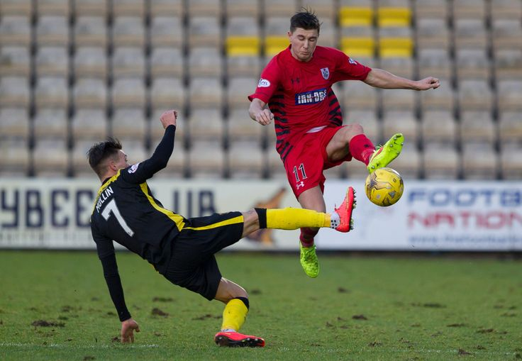 Queen's Park's Sean Burns evades a tackle during the Ladbrokes League One game between Livingston and Queen's Park.