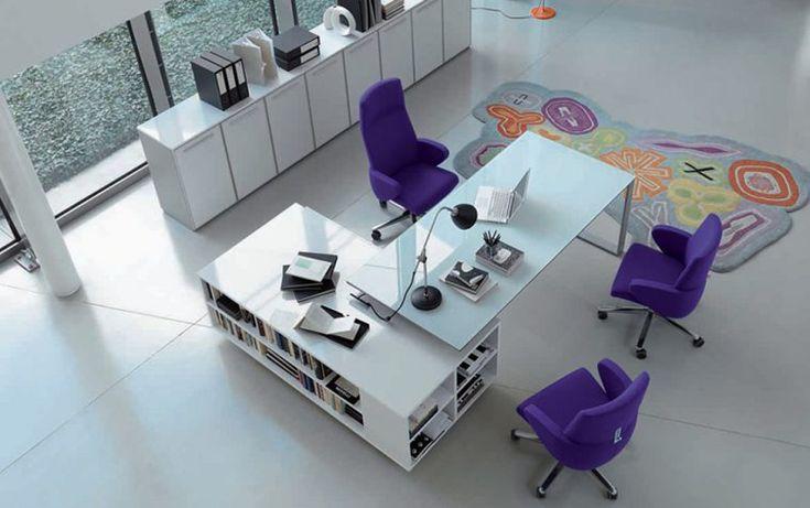 Te mostramos algunos modelos de mesas de despacho para crear un ambiente funcional y atractivo. En el lugar de trabajo es necesario sentirse cómodo...