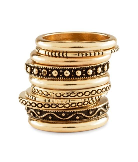 Set van 10 gouden indie-armbandjes, perfect voor bij mijn little black dress.