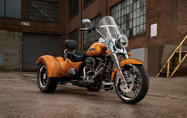 Hot rod-inspired style and a smaller, easy-handling size make the new Freewheeler a perfect bike to customize. | 2015 Harley-Davidson Freewheeler