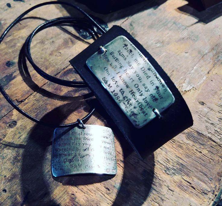 Mitäs biisejä 30-v sitten soi? Tässä ihan muutama - vuosipäivän kunniaks laitettu  pariskunnan koruihin. ME -korut. #koskameollaanme #uniquejewelry #anuek #koruseppä #kerava  http://ift.tt/2gIQQcs