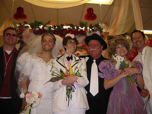 Misha Collins and Vicki renewed their vows in drag in an Albertsons supermarket. Misha, you're just too much. <3
