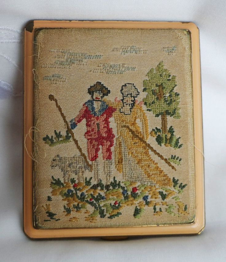 ANTIQUE ENAMELLED POWDER COMPACT TAPESTRY EMBROIDERED GEORGIAN FIGURE PANEL 20s