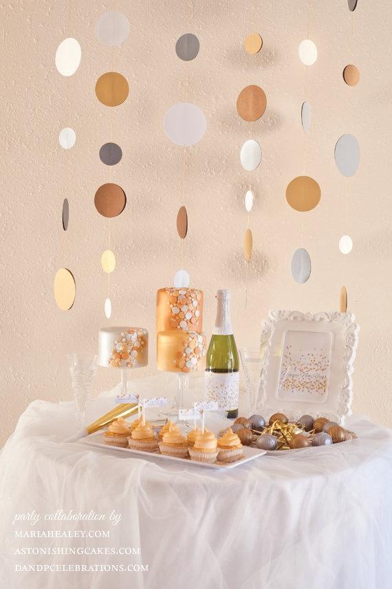 Schöne Idee um seine Gäste an Silvester zu empfangen >> Sparkly New Year DIY Party Printable by DandPcelebrations on Etsy  www.mariahealey.com