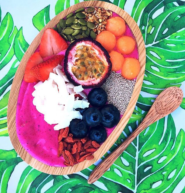 Kick start your health this summer and get your body into shape by creating healthy recipes with our Colourful Superfood Powders 💖🦄 @neadssuperbowls created this yummy goodness with our Pink Pitaya Powder 🌈