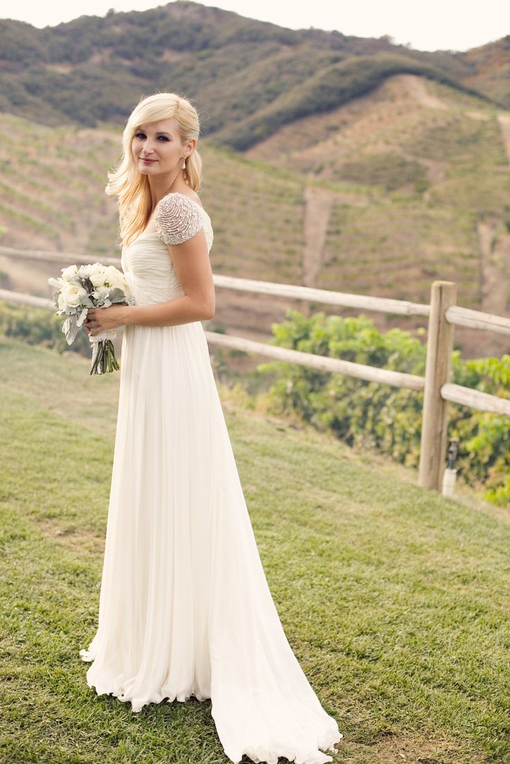Outside wedding dresses  Blues Gong bluesgong on Pinterest