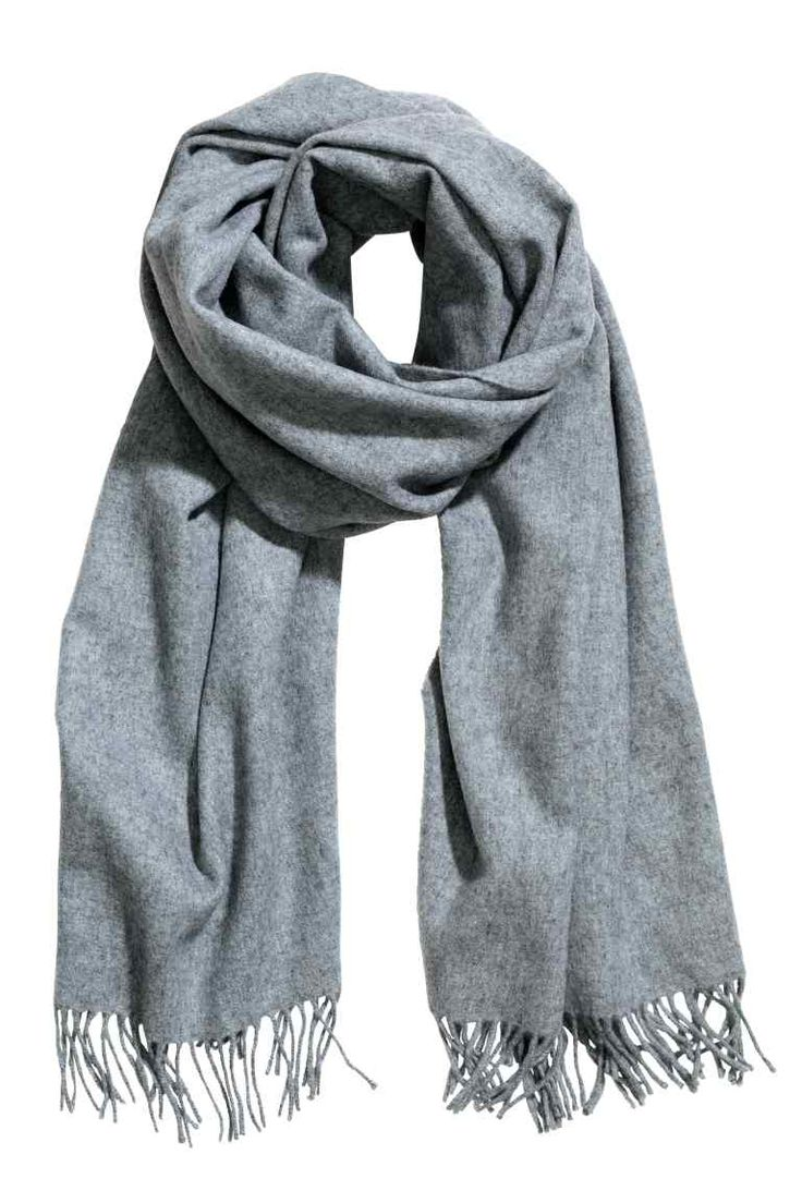 Wool scarf: PREMIUM QUALITY. Scarf in soft wool with a brushed surface and fringes on the short sides. Size 70x200 cm.