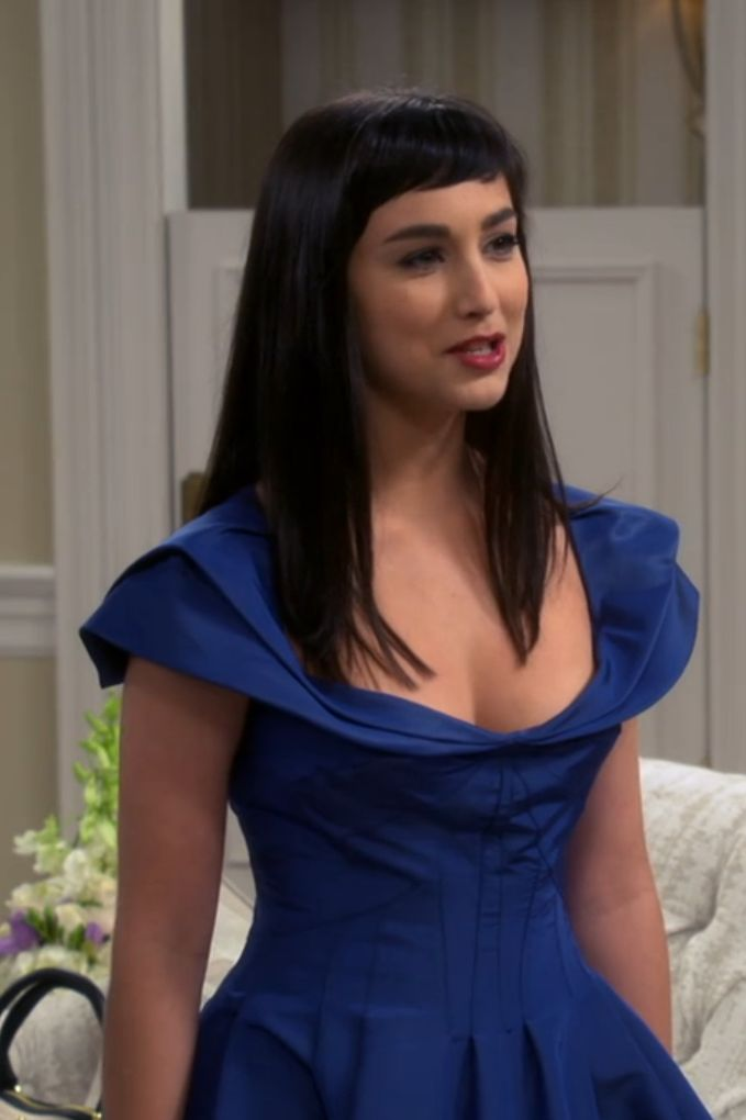 molly ephraim body
