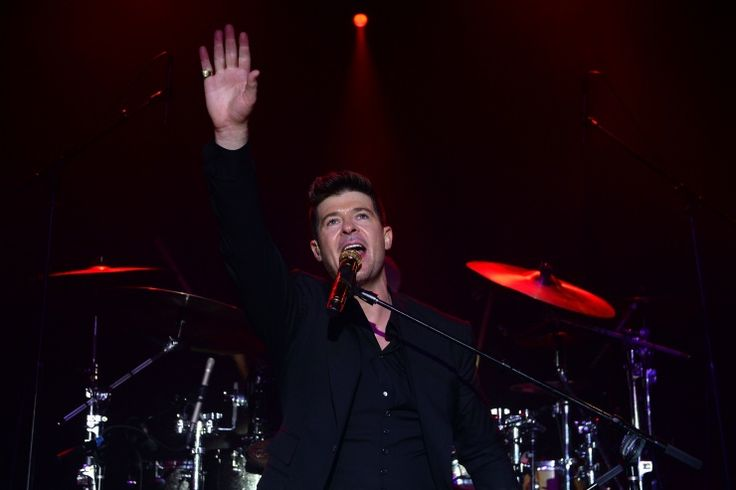 Stop, it's party time. Robin Thicke gives back the best way he knows how at the 2013 GQ Gentlemen Give Back Concert on Oct. 23 in New York: Concerts, Alleg Thick, Sue Robins, Robins Thick, Photo, Parties Time