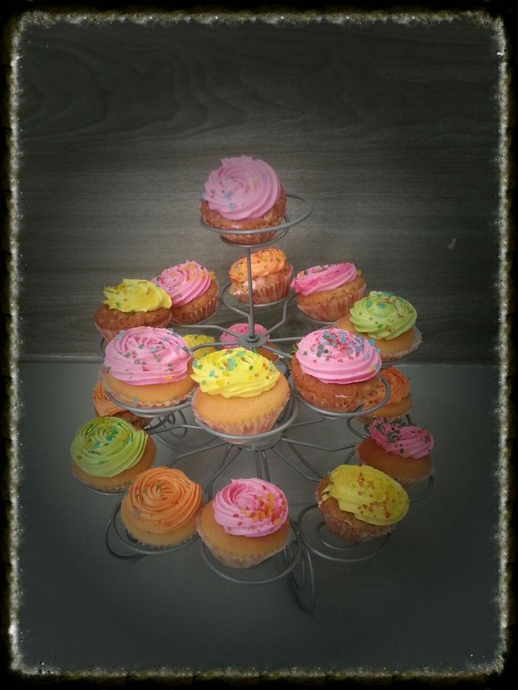 Cupcakes with Bright colors