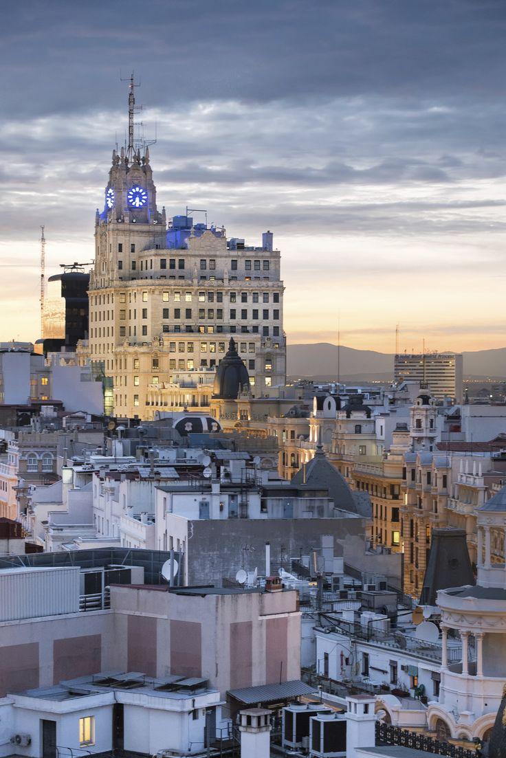 El Edificio de la telefónica, un clásico sobre la Gran Vía de Madrid.