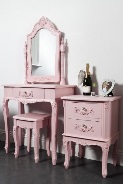 This vintage style pink dressing table stool & bedside set is beautiful shabby chic pink dressing table, swing mirror, stool and pink shabby chic bedside.