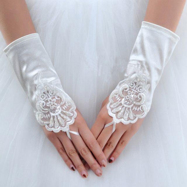 Cheongsam bridal gloves lace gloves short design white short fingerless small flower   RED IVORY  spandex $7.50