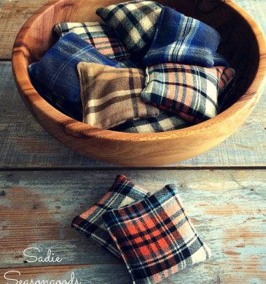 Flannel scrap reusable hand warmers // Kézmelegítő rizspárnák flanel ingekből // Mindy - craft tutorial collection // #crafts #DIY #craftTutorial #tutorial #MothersDayCrafts #FathersDayCrafts