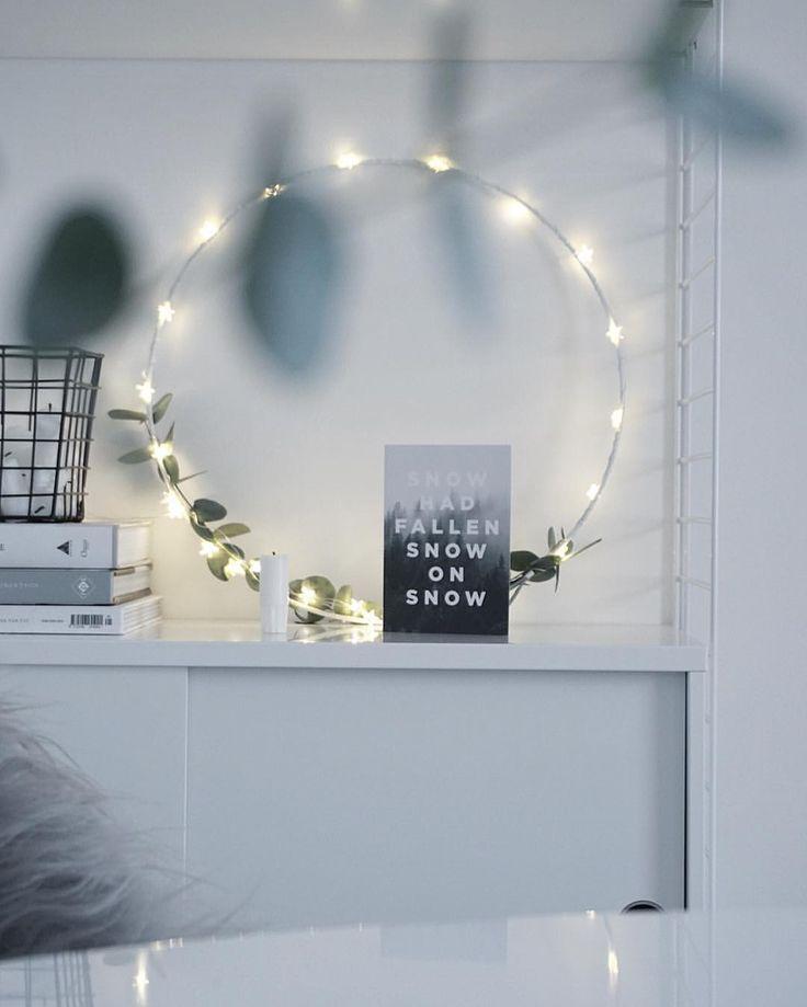 Simple light wreath