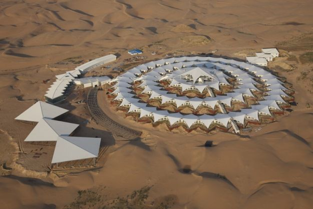 Chinese Desert Resort Appears Like A Mirage [Pics] - PSFK