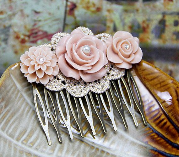 Hars Rose haar kam, Peach Flower kam, stoffige Floral haarspeld, bruidsmeisje accessoire, bruids zendspoel, unieke juwelen, Art Deco Haircomb