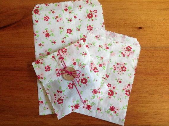 Paper bags floral paper bags2 sizes by PinkyPromiseBargains, $3.50, Etsy items