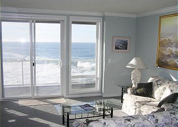 As You Enter The Whaler S Suite Wall To Oceanfront Windows Will Be First Indication Your Vacation Has Begun Known For Its Whale Watching And