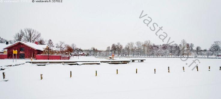 Satama lumisateessa - itämeri Raasepori Tammisaari Ekenäs