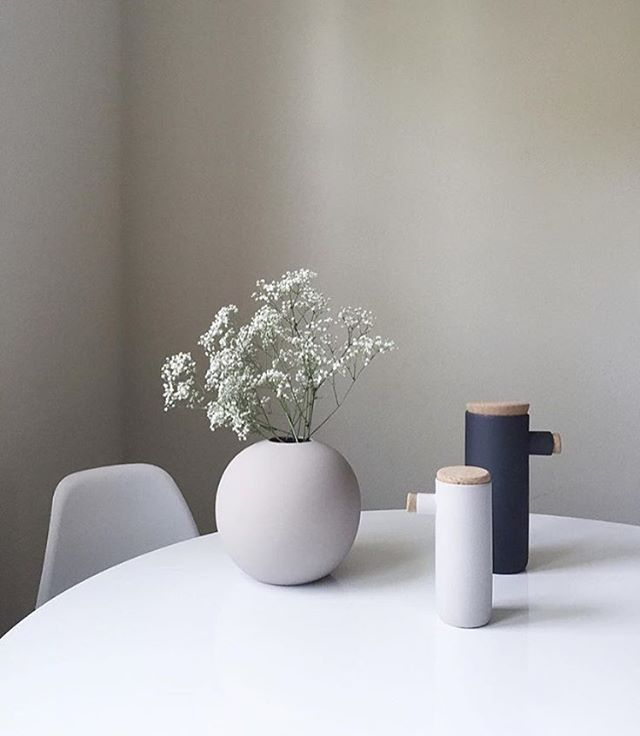 Beautiful Cooee vase available at www.istome.co.uk | Image by @ea_wang