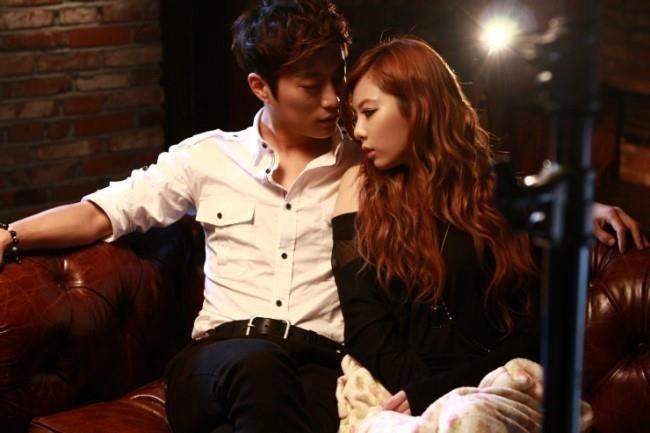 Dujun & Hyuna couples photo
