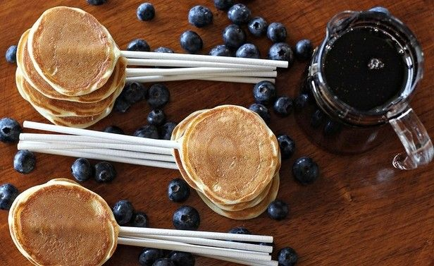 Pancakes and Blueberries on sticksBirthday Breakfast, Pancakes Pop, Bites Size, Food, Sticks, Fathers Day, Kids, Breakfast Recipe, Breakfast Parties