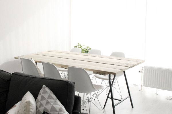 Tafel steigerhout IKEA schragen witte stoelen-2 - Table wood IKEA support legs white chairs-2