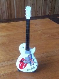 G2016037 Rolling stones decoratie gitaar acoustic
