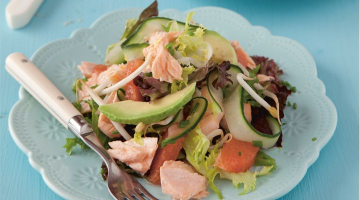 Steamed Salmon with a Grapefruit and Ginger Dressing