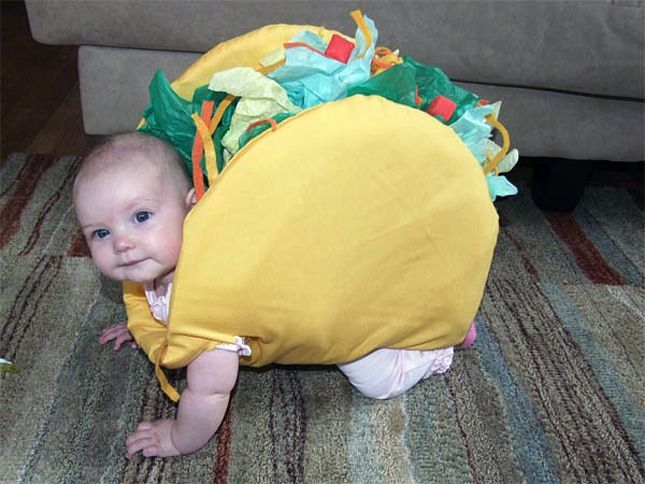 hahahahahaha ahhahaha ahahahahah TACO BABY!!! I can't imagine bubs would be very comfortable in it but man it's super funny :)