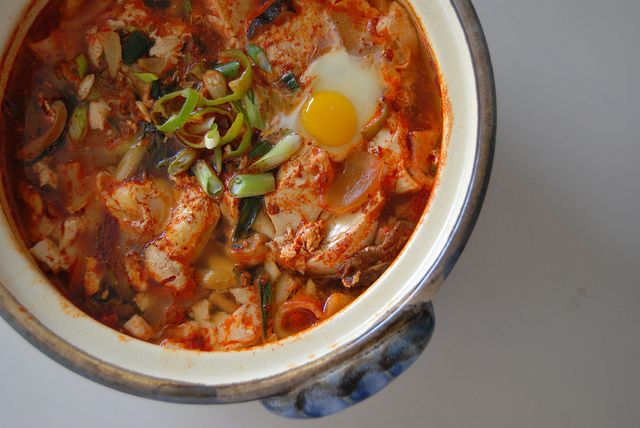 spicy tofu stew {Soondubu jjigae} by alla9922, via Flickr