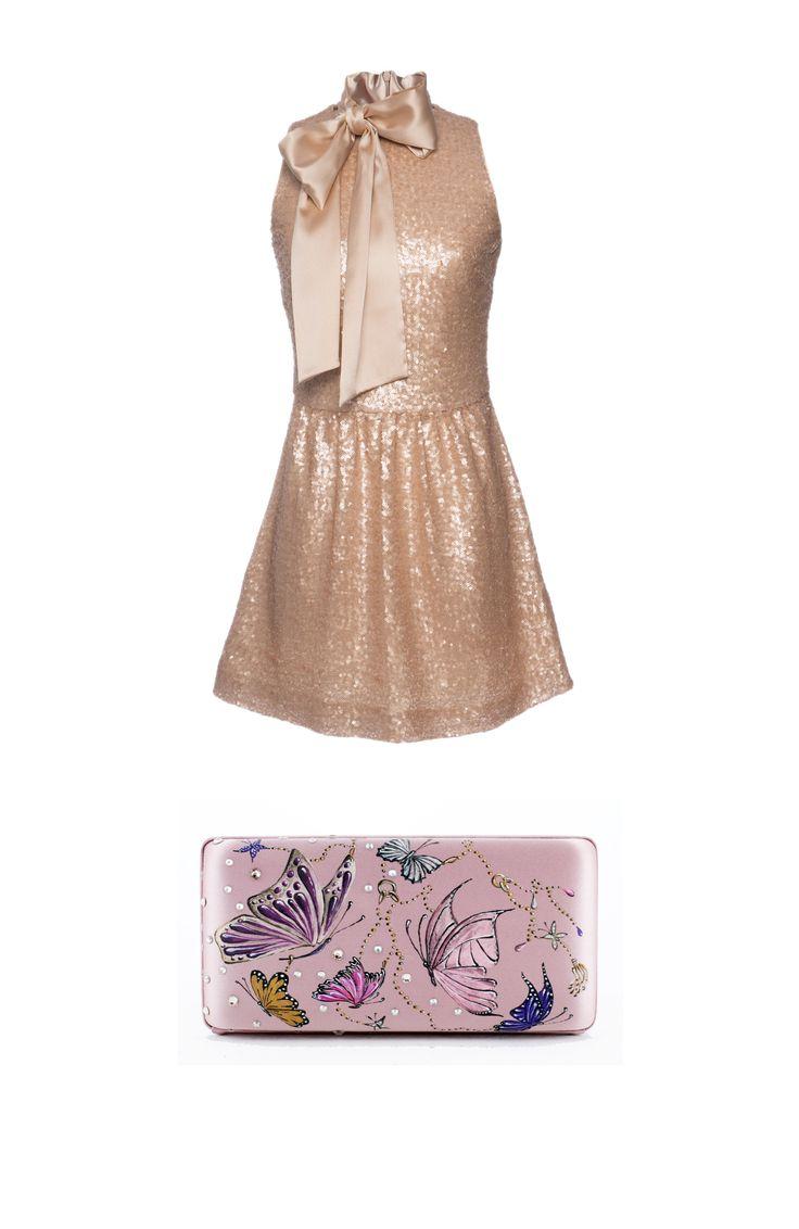 Minidress in paillettes dorate con maxi fiocco in seta, Ermanno Clutch bag in seta dipinta a mano, Vera Givèl  -cosmopolitan.it