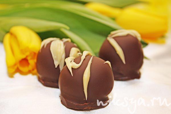 Бисквитные конфеты с вишней