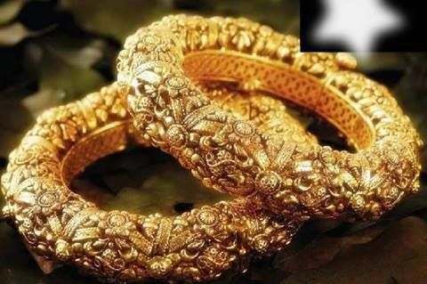 KADA, Bangales to wear on wrist.Make your #wedding day more auspicious with #bridaljewellery collection at Praveen Jewels. http://qoo.ly/xnjy
