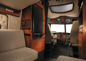 Pictures of western star sleepers phoenix az western star trucks has expanded its for Custom semi truck sleeper interior