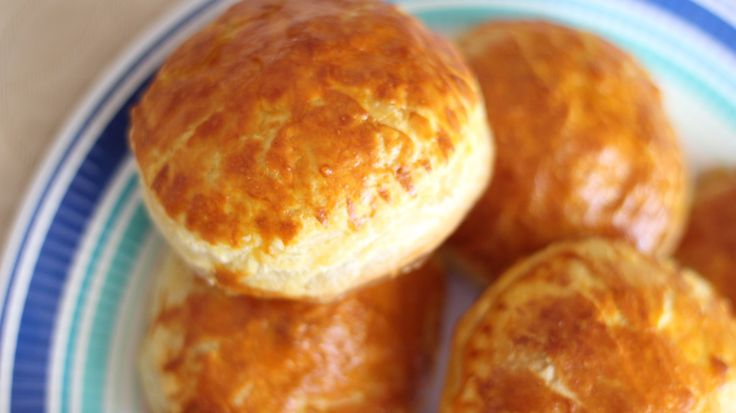 Banh Pate Chaud (Vietnamese Pastry Pie)