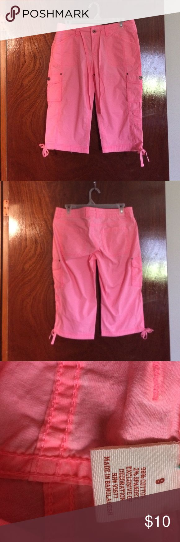 Coral capris Awsome fit great for spring arizona Pants Capris