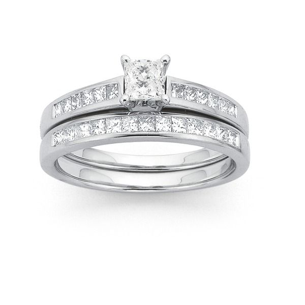 Here is a modern, clean cut 18ct White Gold, Princess Cut Diamond Bridal Set with a Total Diamond Weight of 1ct