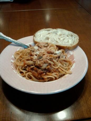Rachael Ray's Linguine With Red Clam Sauce. One of my favorite dishes:) Yum!