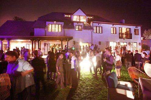 Beauty and the Mist - everything about beauty: Expert Guide To Throwing an Amazing House Party