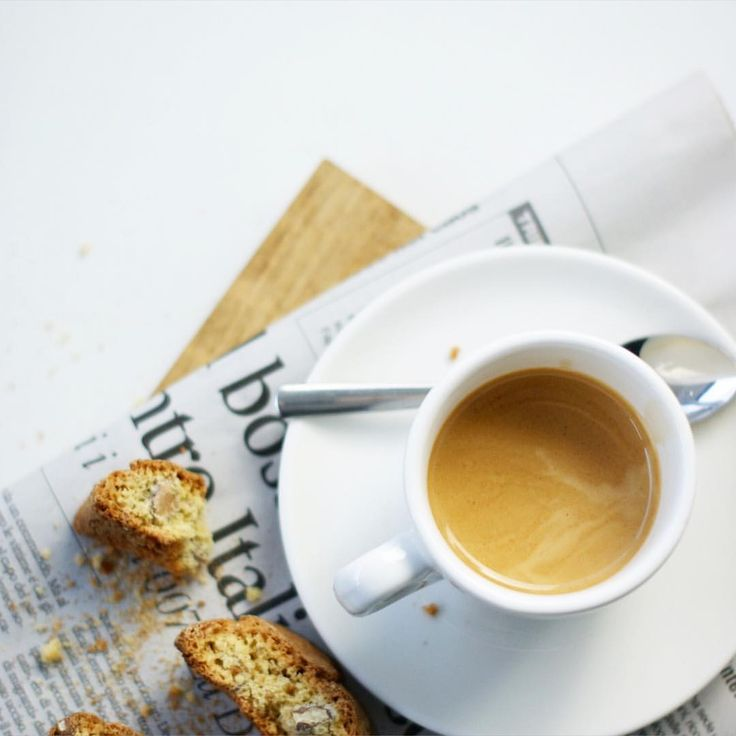 Espresso  #sicurini #sicurinicaffe  #cantuccini #flatlay #coffeetime #caffe #coffeeisalwaysagoodidea #coffeebreak #espresso #coffeeeu #coffeexample #coffeelover #coffeeadicted #coffee #kaffee #baristadaily