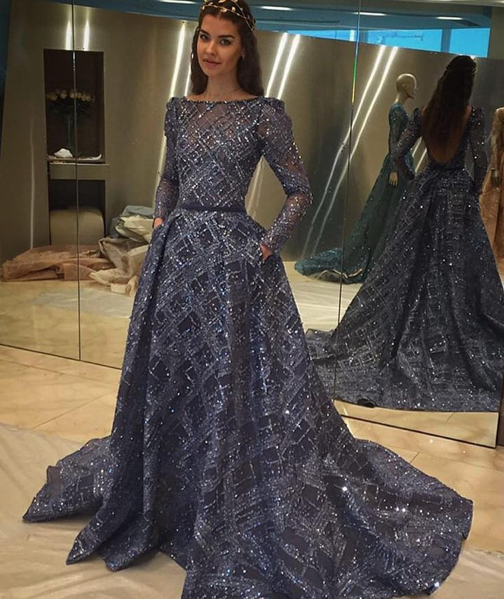 Ziad Nakad's latest collection mesmerises crowds. #bride #bridal #ziadnakad #fashion #couture